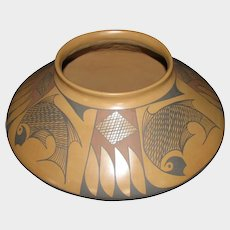 Mata Ortiz Pottery Olla (Jar), Fish & Feathers Design, Gloria Hernandez