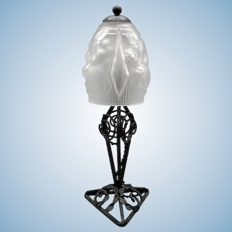Lovely French wrought iron Art Deco table lamp (ca1920) with 'verre dépoli' shade signed Muller Frères Luneville.