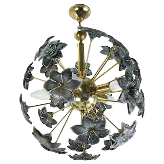 Mid Century Sputnik Chandelier With Murano Glass Flowers Italy 1960s/70s