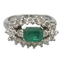 18K White Gold Ring with Emerald and Diamonds