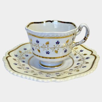 Worcester Flight Barr and Barr coffee cup & saucer with gadrooned edge c1816