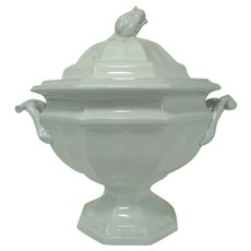 Rare Mid-19th Century Barrow & Co. White Ironstone Grape Octagon Soup Tureen on Pedestal Base
