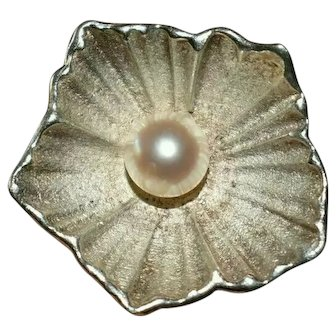 Vintage 1985 Silver Pearl Flower Ring in Georg Jensen Manner Size O 11.76 grams