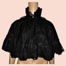 Antique Victorian Chantilly Lace Mourning Cape with Ruff Collar Size UK 8