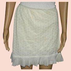 1960s Cream Under Skirt by Orbit-Ladybird Size Large ILGWU Union Made