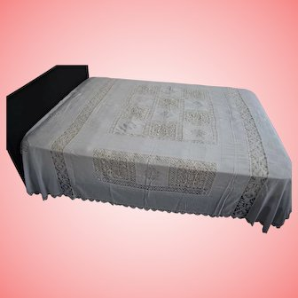 Antique European Cotton and Macrame Lace Bedspread Bed Throw
