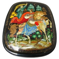 Early 20th Century Paper Mache Laquered Hand Painted and Signed Russian Box
