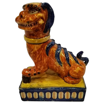 Late 19th Century Chinoiserie Ceramic Hand Painted Foo Dog