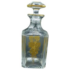 "Cut crystal whisky bottle ""Perfection"" from Baccarat France with a golden decor of grapes - 20th century"