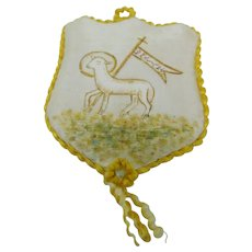 "French fleece silk scapular of 1924 ""Agnus Dei"""