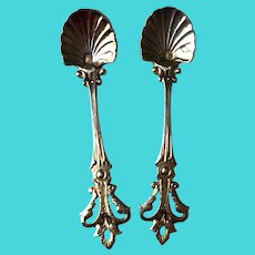 Antique Pair of 950 silver salt spoons and vermeil. French. Circa 1895.