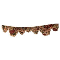 Antique Important window valance at the needle point of the 1900s