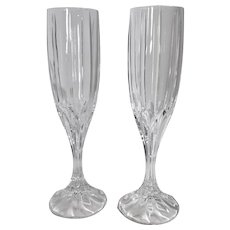 "Mikasa ""Berkeley"" Champagne toasting flutes Wedding gift Holiday cut Crystal glasses Set of 2"