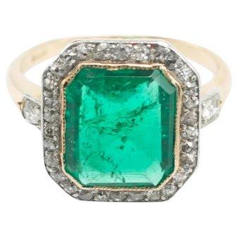 Colombian emerald & diamond 18 carat gold ring