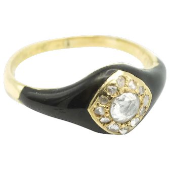 Victorian mourning ring with rose diamonds in 18 carat gold