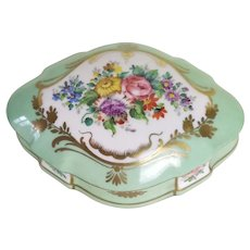 Jewellery box in fine hand-painted French porcelain Antique 19th Century
