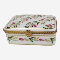 Jewellery box in fine porcelain hand-painted and gilted French vintage