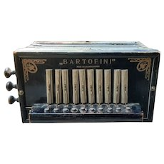 Bartofini Turn of the Century Button Accordian/Squeeze Box