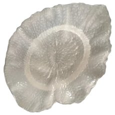 Opalescent/Frosted Pickle Leaf Shape Dish