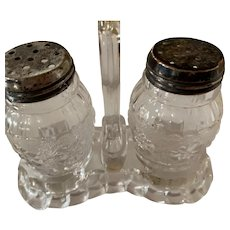 Roman Rosette Salt & Pepper Shaker w/Caddy