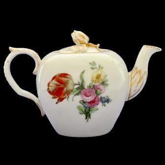 Very rare 18th Century Copenhagen small teapot, c.1785