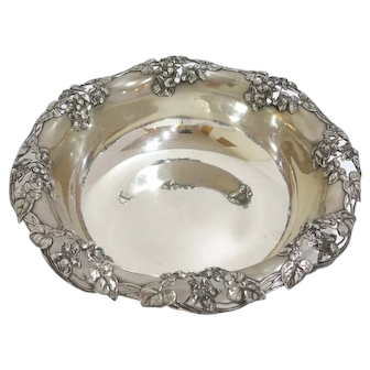 11 in - Sterling Silver Tiffany & Co. Antique Floral Design Bowl
