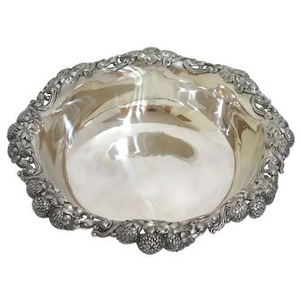 11.25 in - Sterling Silver Tiffany & Co Antique Clover Design Large Serving Bowl