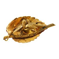 Antique 1850s yellow Gold Brooch
