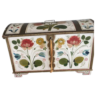 Stunning and rare antique 19th century small Swedish marriage chest