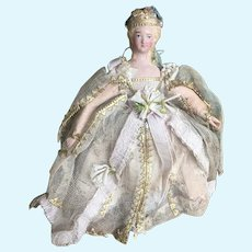 Extremely rare early papier-mâché Queen doll