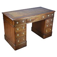19th Century English Victorian Mahogany Pedestal Desk