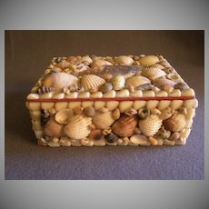 Vintage Folk Art Seashell Trinket/Jewelry Box