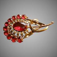Vintage Art Deco Floral Design Brooch w/Ruby Glass Sets