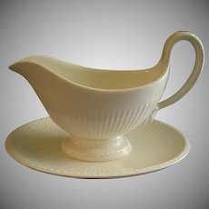 Josiah Wedgwood & Sons 'Edme' Pattern Gravy Boat w/Attached Under-Plate