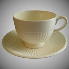 Josiah Wedgwood & Sons 'Edme' Pattern Set of 4 Footed Cups & Saucers