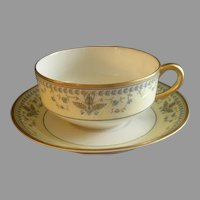 """Haviland & Co. Limoges Arts & Crafts """"English Oatmeal"""" Pattern - Set of 5 Cups & Saucers"""