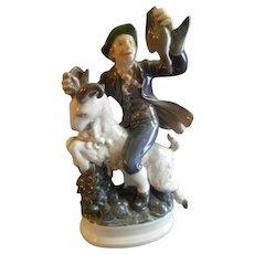"Dahl Jensen Porcelain Figurine ""Hans Clodhopper"" #1070, Sculptured by Poul Lemser"