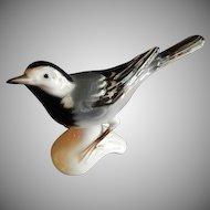 Goebel White Wagtail Bird Figurine