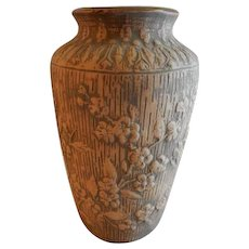 """Red Wing Union Stoneware Brushware """"Dogwood"""" Floral Design Vase"""