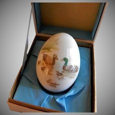 1975 Fifth Edition Noritake Easter Egg w/Family of Ducks