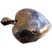 """Vintage Sterling Silver Engraved """"Heart"""" Locket"""