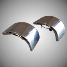 """Vintage Contemporary Style Sterling Silver """"Curved Bar"""" Stud Earrings - Pair"""