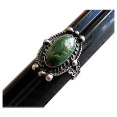 Vintage Southwestern Design Sterling Silver & Green Turquoise Ring