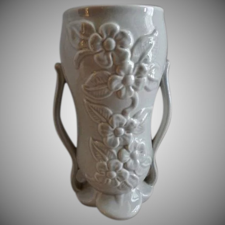 Red Wing Pottery Mid Century Embossed Floral Vase 1360 Brys