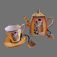 "Charlotte di Vita Miniature Teapot & Cup/Saucer ""The Kiss"" by Gustav Klimt"