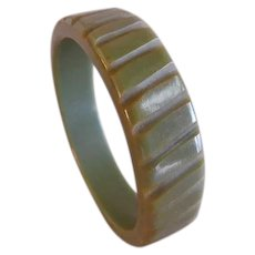 Vintage 1930-1940 Olive Green Bakelite Carved Bangle Bracelet