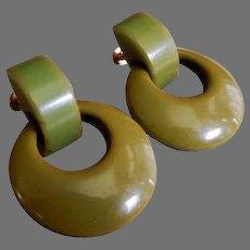 """Vintage Moss Green Bakelite """"Swinging Disc"""" Screw-Type Earrings"""