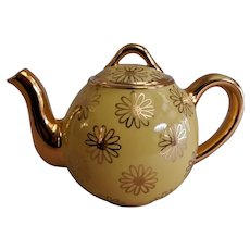 "Hall China Company ""French Daisy"" 2-Cup Teapot"