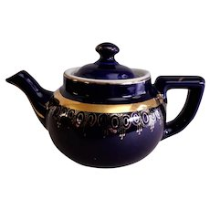 "Hall China Company ""Boston"" 2-Cup Teapot"