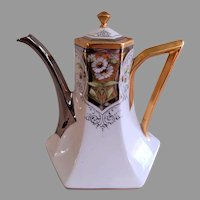 J H Stouffer H.P. Tea Pot w/Daisy Motif, Gold & Platinum Trim